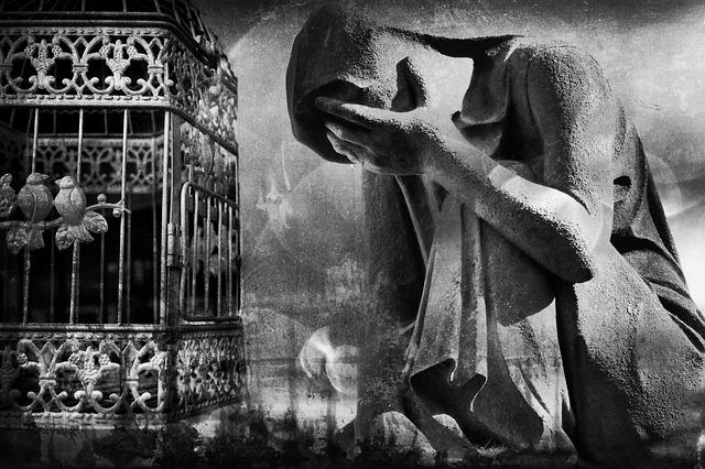 chagrin, prison, pensées négatives, gris, pierres